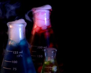 stock-footage--beakers-pal